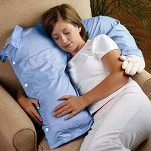 Подушка плечо мужчины